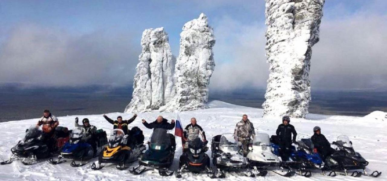 Легендарный Маньпупунёр на снегоходах